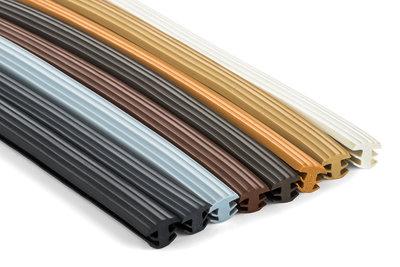 antislipstrip in verschillende kleuren naast elkaar