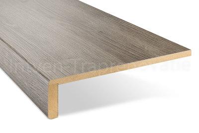 ingezoomde enkele overzettrede van cpl materiaal in de kleur eik grijs 30x90cm