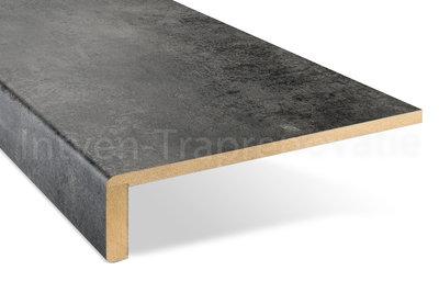 ingezoomde enkele overzettrede van cpl materiaal in de kleur donker beton 30x90cm